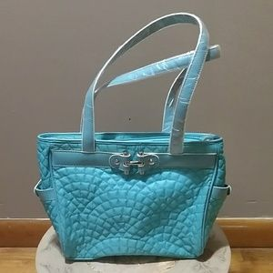 Handbags - Vera Bradley turquoise quilted bag - like new